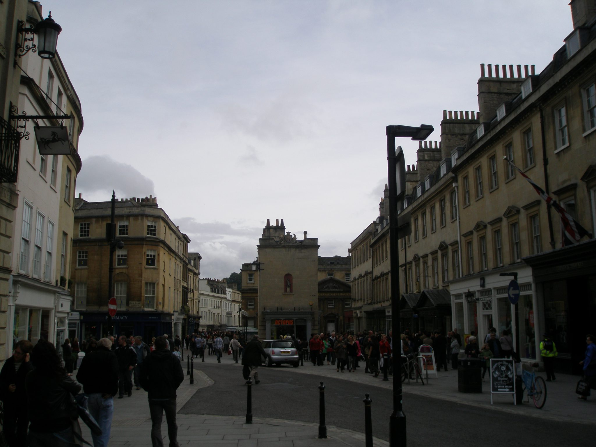 Lower end of Milsom Street