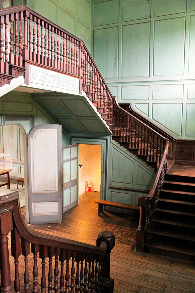 The Double-Height Stair Hall. Image courtesy of Brandon Coffey & South Carolina Plantations.
