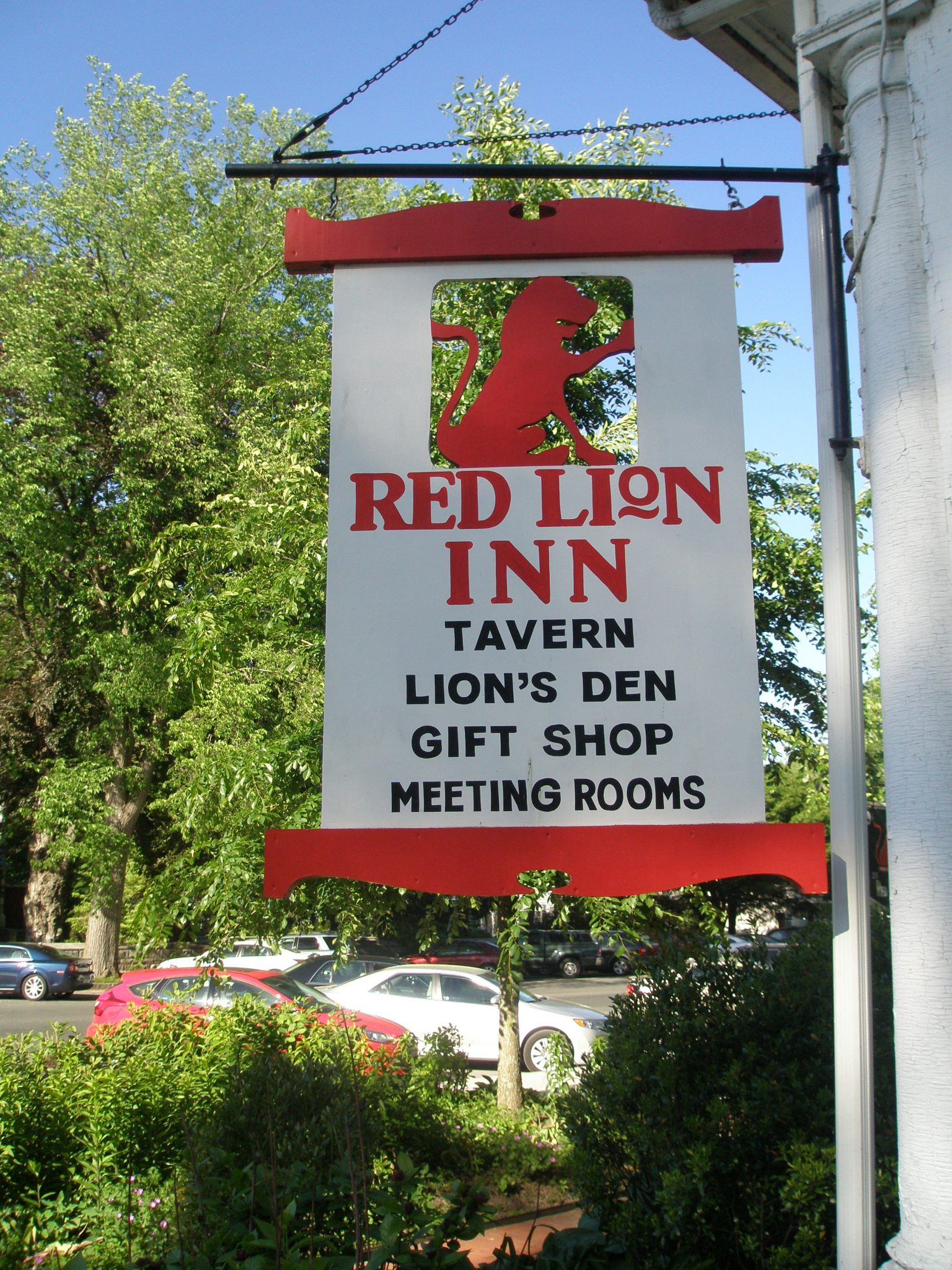 The Red Lion Inn. 30 Main Street, Stockbridge, MA 01262. (413) 298-5545. www.redlioninn.com