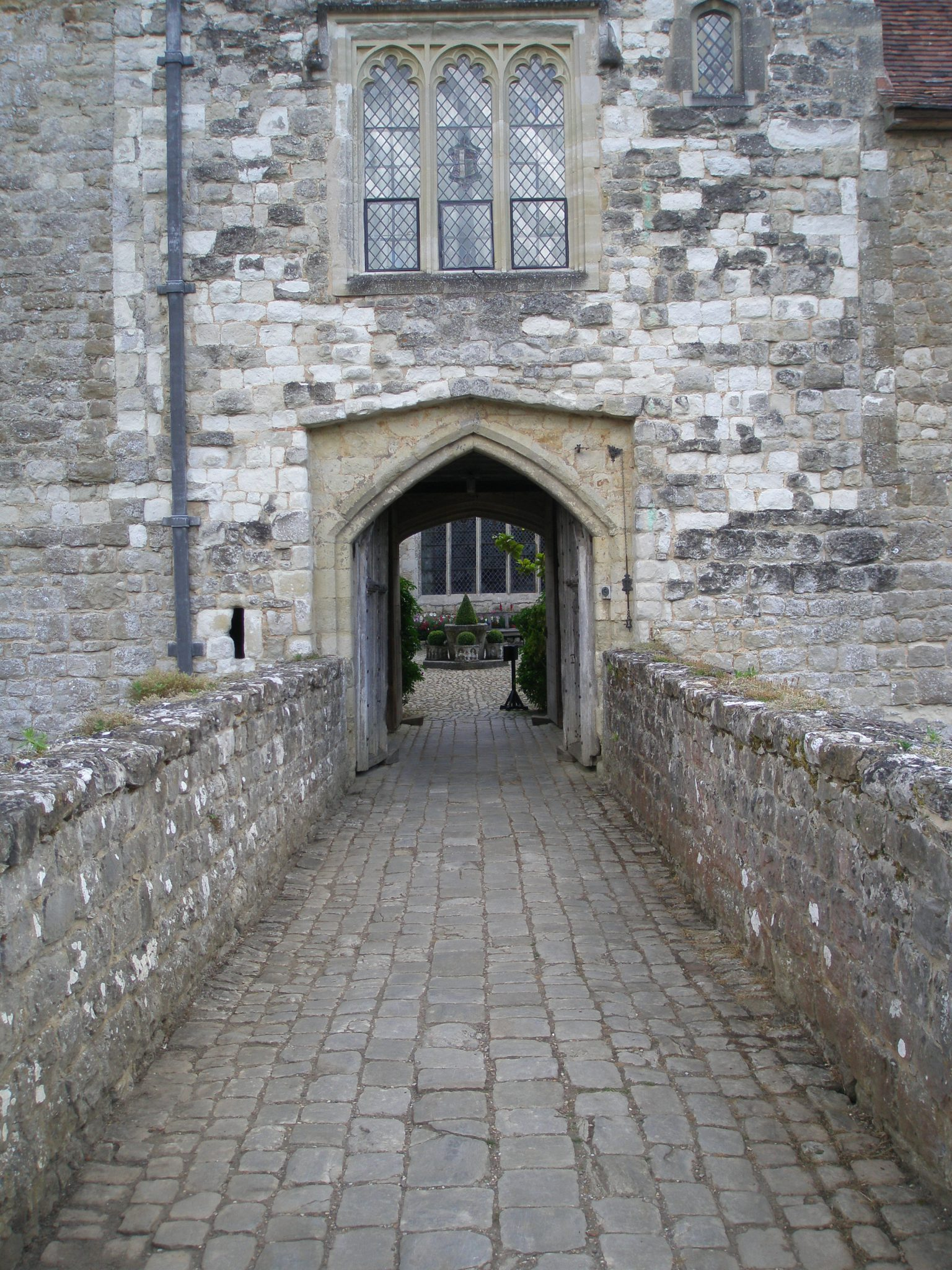 We cross the Gatehouse Tower Moat