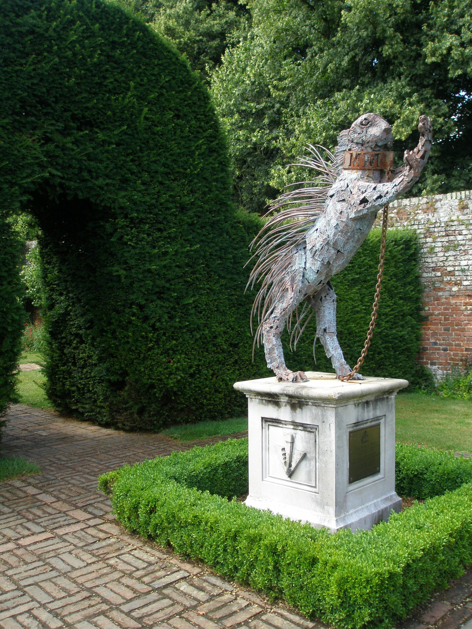 The Porcupine on the Sidney Family Crest is embodied in this large sculpture, which was commissioned to celebrate the millennium, and made by Robert Rattray. The stone base bears a Pheon, or Broad Arrow, which is the Sidney Coat of Arms