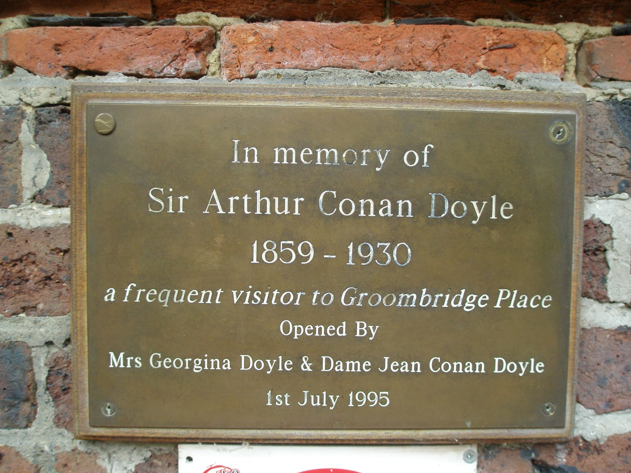 Arthur Conan Doyle was a frequent visitor to Groombridge Place
