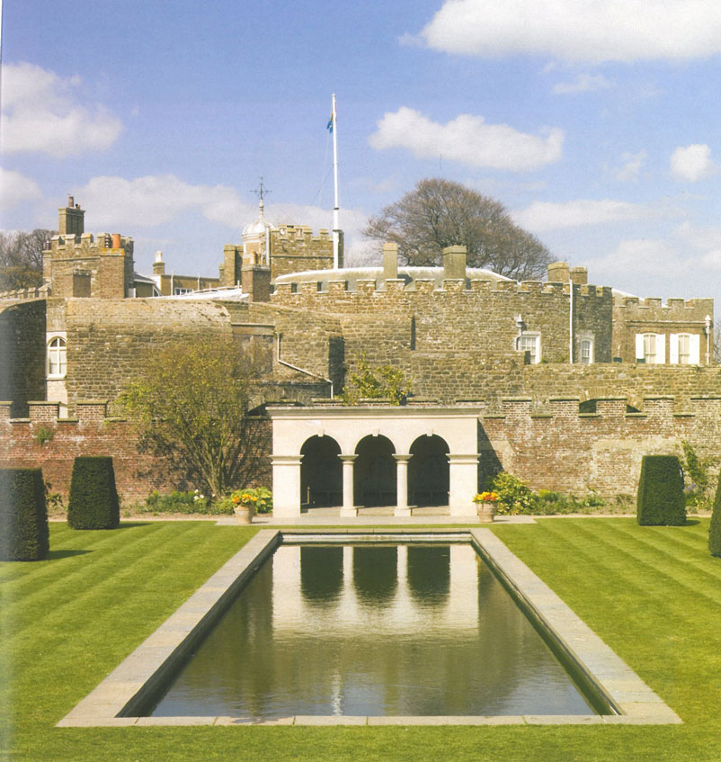 In 2000, the garden designer Penelope Hobhouse was asked to design a garden, just for the Queen Mother. Image courtesy of Walmer Castle.