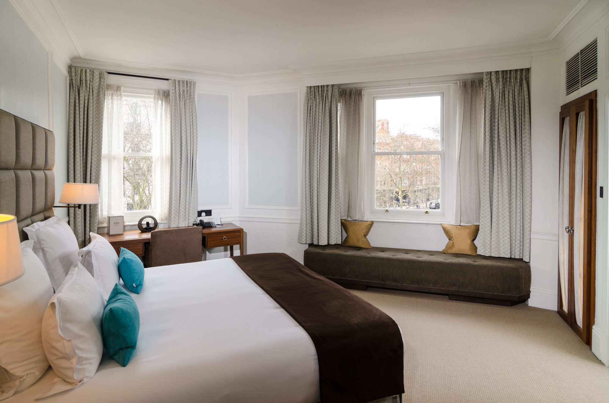 This is the Club Room I always request, for my sojourns at the Sloane Square Hotel. Photo courtesy Sloane Square Hotel.