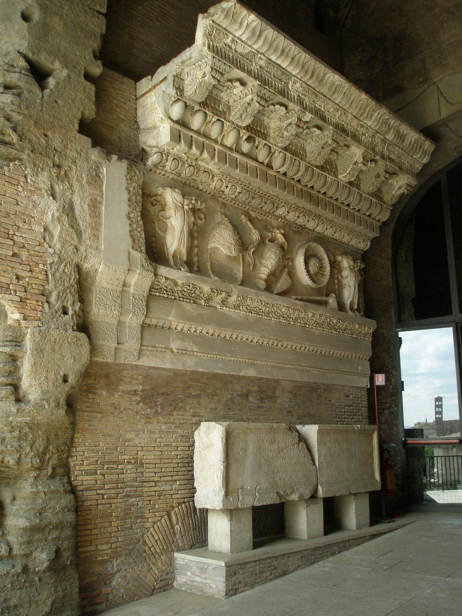 The most spectacular treasure on the Tabularium Gallery: a reassembled frieze from the Temple of Vespasian & Titus (circa 79AD to 88AD.
