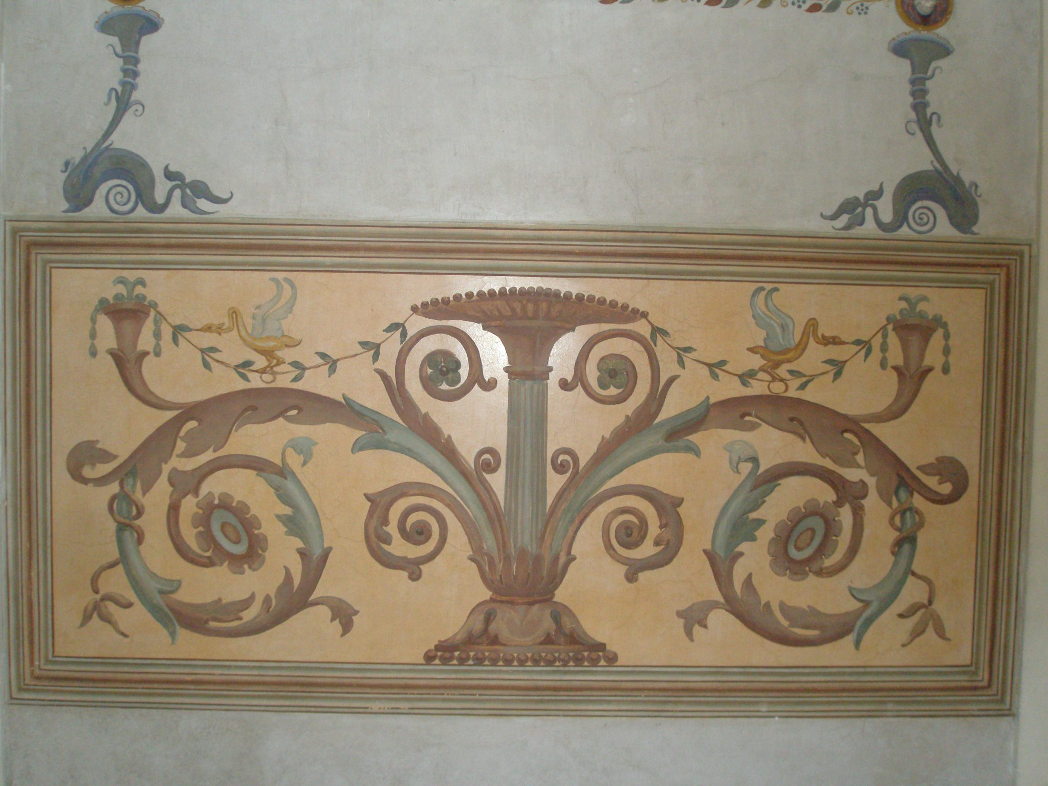 Detail of wall decoration in Venus' bailiwick.