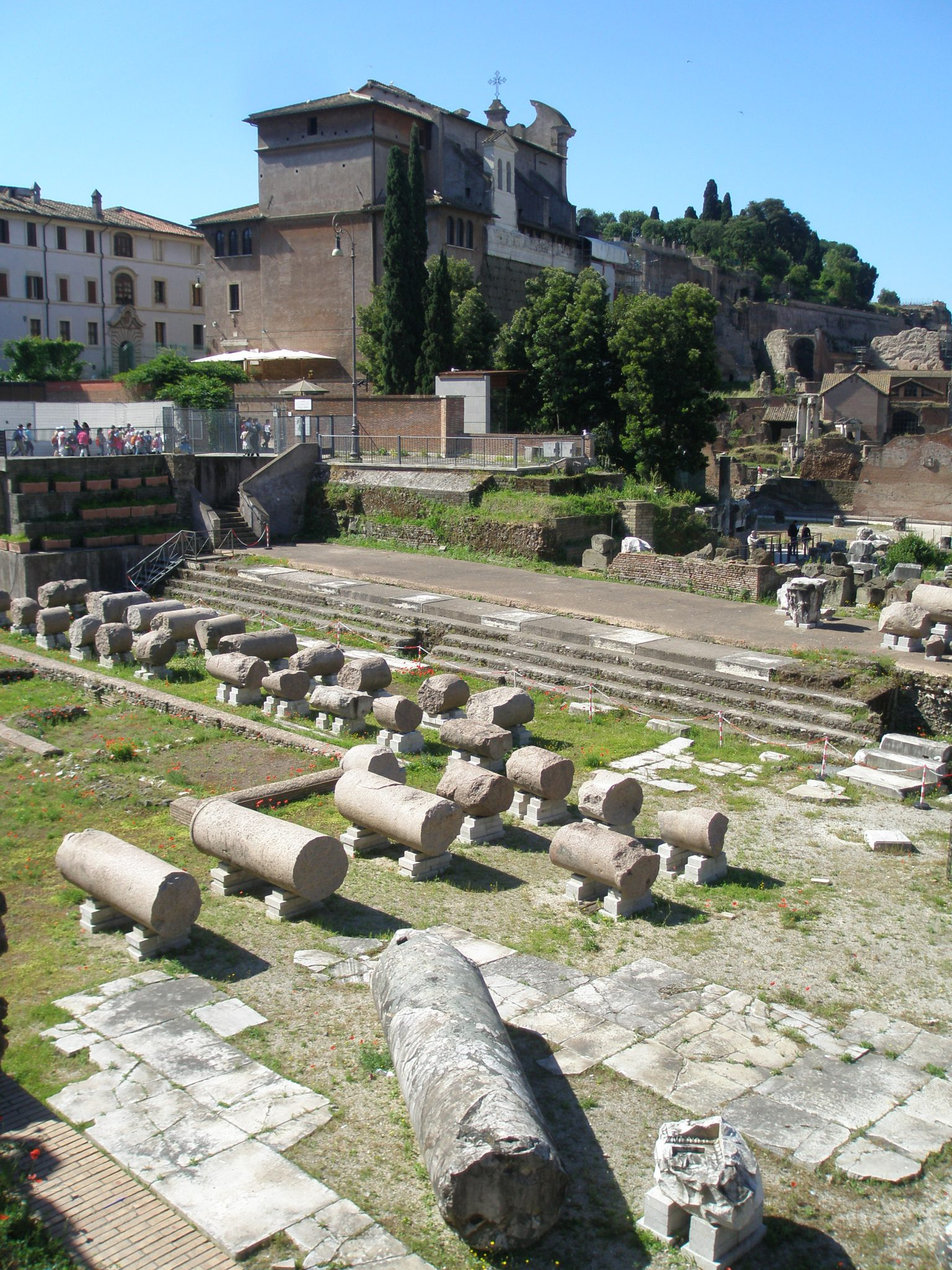 A closer look of column fragments from the Basilica Aemilia, as seen from Via del Fori Imperiali.