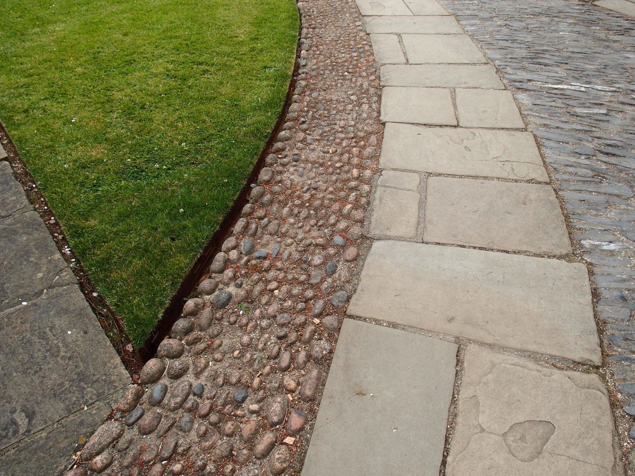 Courtyard paving detail