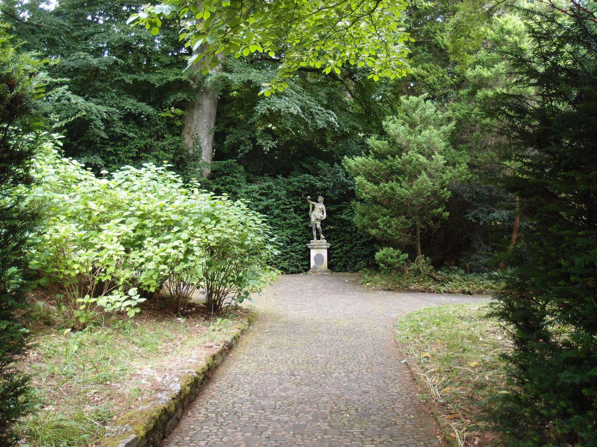 The Woodland's Flora was presented in 1967 to the Elmhirsts by the people of Dartington.