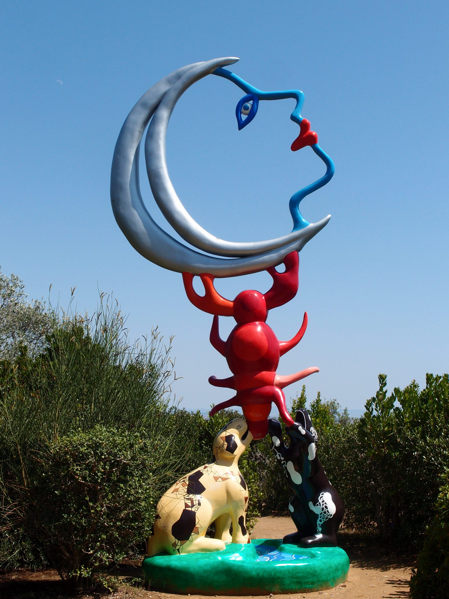 """The Moon. Niki called sculptures done in this style her """"Skinnies."""""""