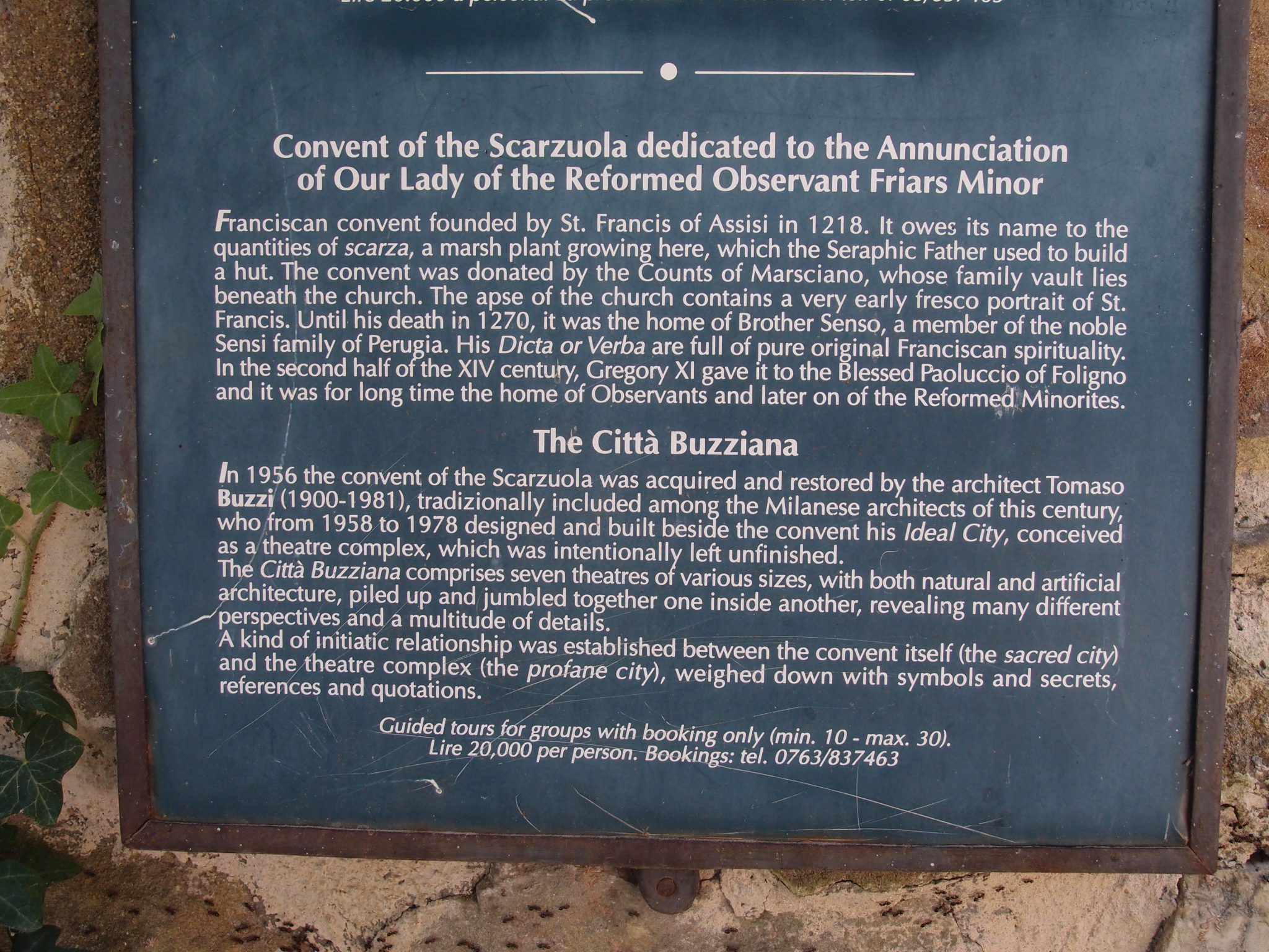 This plaque outside the Gate gives early-birds something to study.